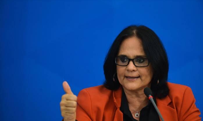 Denúncias de violência contra a mulher cresceram 9%, diz ministra