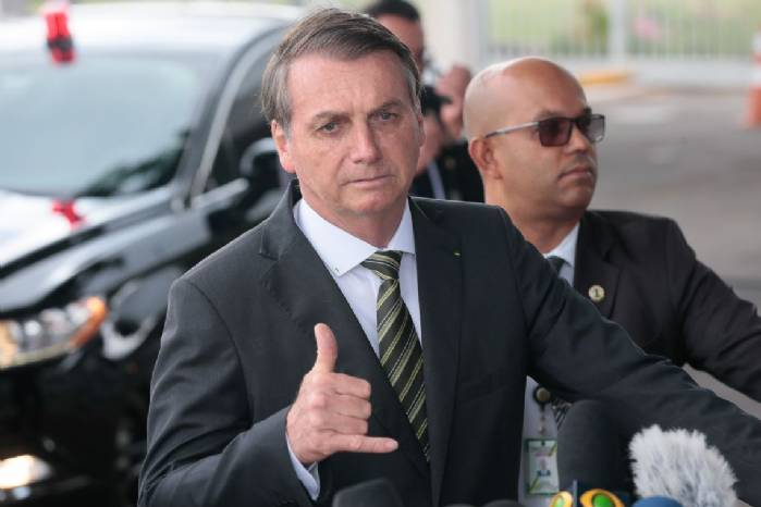 Bolsonaro pede que Congresso amplie posse e porte de armas