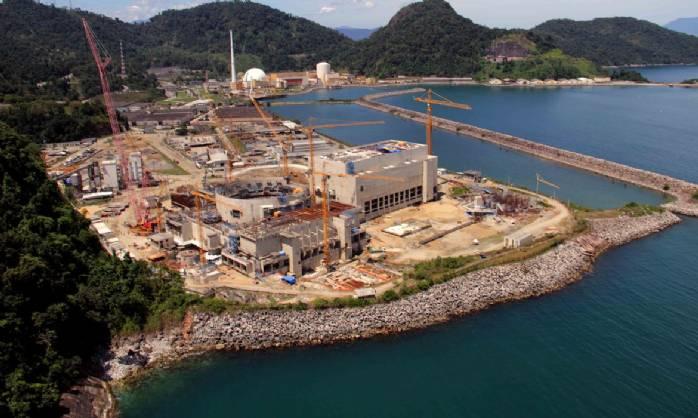 Brasil vive consolidação da energia nuclear, diz Bento Albruquerque