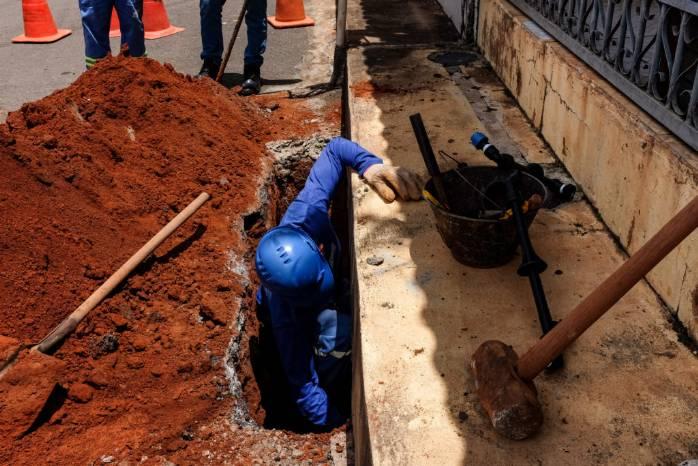 Caesb vai substituir ramais de água em todo o DF>