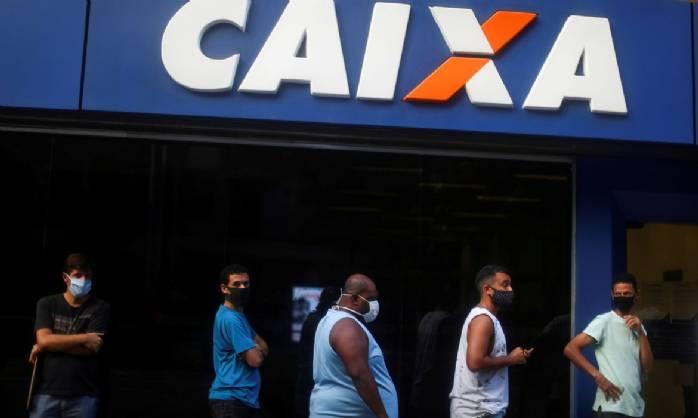 Caixa paga quarta parcela de auxílio a beneficiários do Bolsa Família