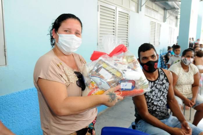 Cestas especiais de Natal para 13 mil famílias do DF