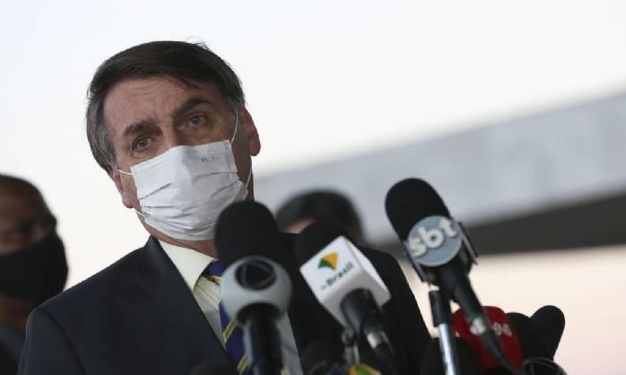 Bolsonaro quer cloroquina para pacientes com sintomas leves