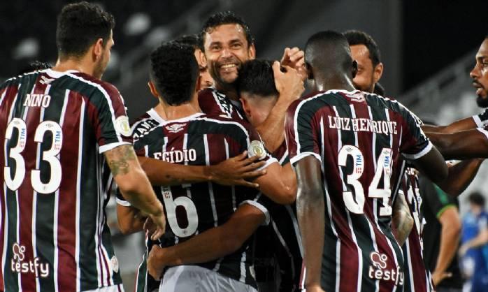 Fluminense vence Goiás e sobe na tabela do Brasileiro