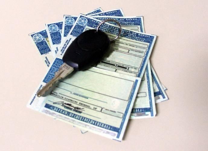 Prazos de recursos de multas e renovação da CNH permanecem interrompidos