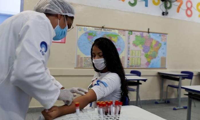 União Europeia defende mais restrições para combater o coronavírus