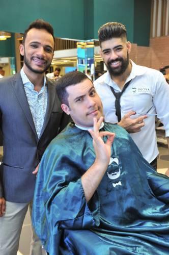 Barbearia Inova recebeu convidados em dia especial