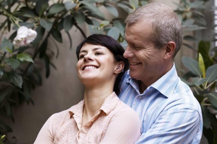 Tratamento contra perda auditiva ajuda idosos a se manter no mercado de trabalho