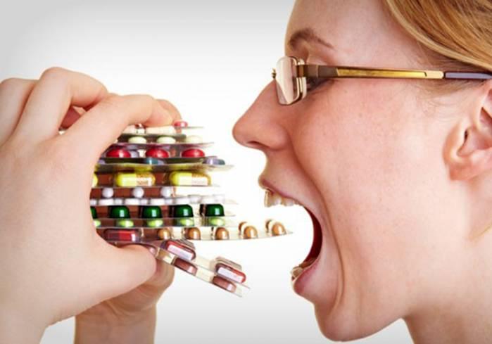 No Dia do Farmacêutico, especialista alerta sobre automedicação