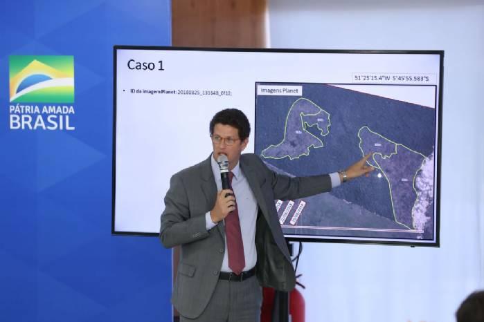 Salles: um terço do desmatamento de junho ocorreu em anos anteriores
