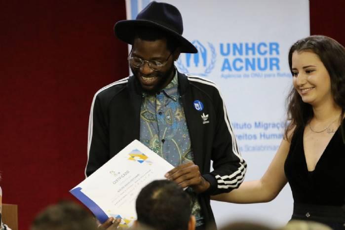Jovens refugiados participam de capacitação para o mercado de trabalho