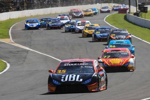 Motortech Competições salva pontos importantes em corrida tumultuada