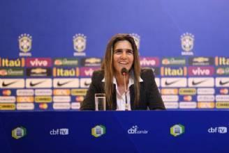 Emily Lima diz que ser mulher ajuda na relação com jogadoras da seleção