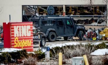 Ataque a tiros deixa dez mortos no Colorado; suspeito é detido