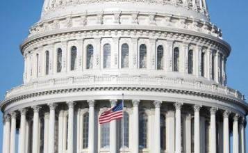 Câmara dos EUA aprova pacote de US$ 2,2 tri contra coronavírus