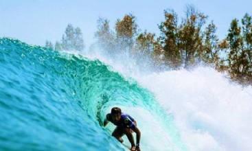 Filipe Toledo supera Medina na final e fatura título do Surf Ranch Pro