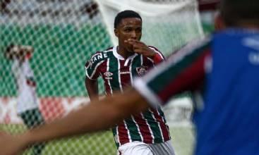 Fluminense derrota Portuguesa e confirma Fla x Flu na final do Carioca