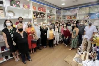 Artesãos ganham loja exclusiva para venda de produtos