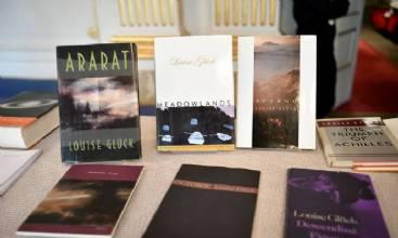 Poetisa norte-americana Louise Gluck ganha Prêmio Nobel de Literatura