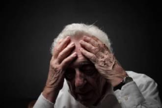 Quarentena faz ligar alerta sobre violência contra o idoso