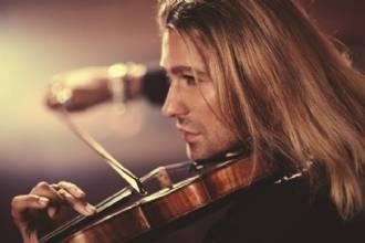 Violinista David Garrett faz apresentação em Brasília