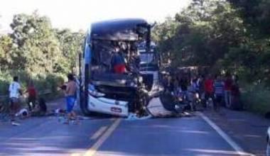 Acidente com ônibus em Formosa deixa sete mortos