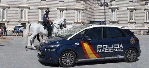 Espanha mantém nível de alerta terrorista e reforça segurança em zona turística