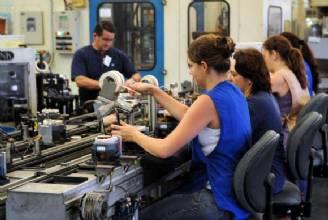 Produção industrial cai na maioria das regiões pesquisadas pelo IBGE