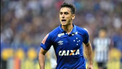Robinho vibra com centésimo gol como profissional e mira o clássico