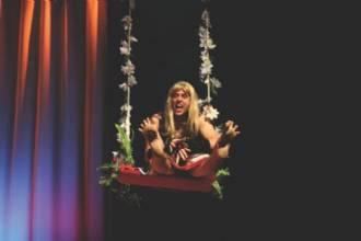 AMAR É BREGA - Uma Comédia Elegantérrima