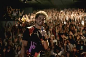 Concorra a um par de ingressos para a peça QUE HISTÓRIA É ESSA? com Felipe Andreoli do CQC